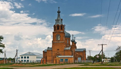 Церковь Покрова Пресвятой Богородицы, Краснохолм, трасса р335