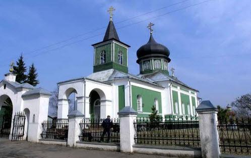 Церковь трех святителей, велиж, трасса Р131