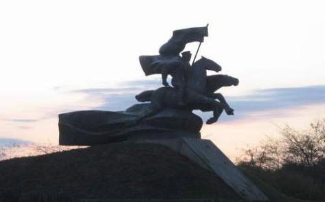 памятник кавалеристам, Сальск, трасса р270