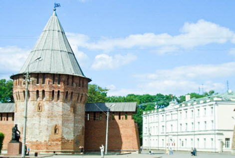Громовая (Тупинская) башня, Смоленск, трасса М1