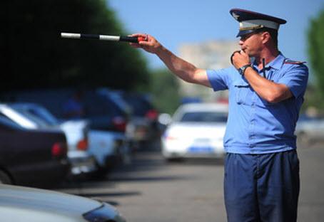 Инспектор ДПС на трассе Дон