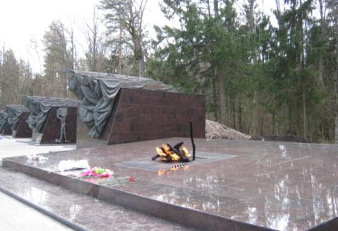 Мемориал партизанская поляна, трасса Москва Брянск