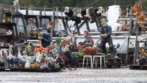 Рынок скульптур на трассе Р132