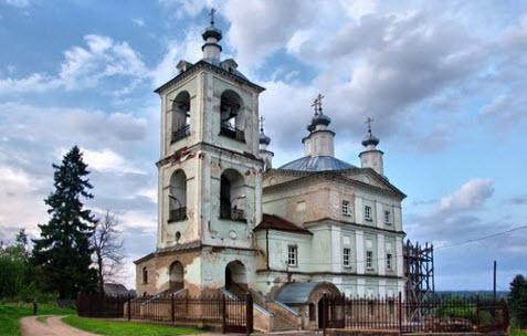 Ильинская церковь, Верея, трасса р93