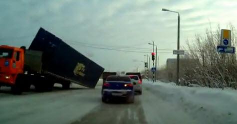 авария, падающий контейнер