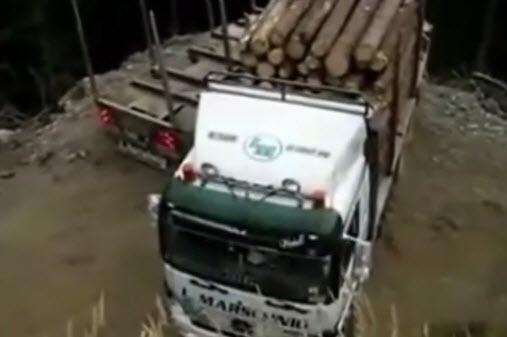 грузовик с прицепом