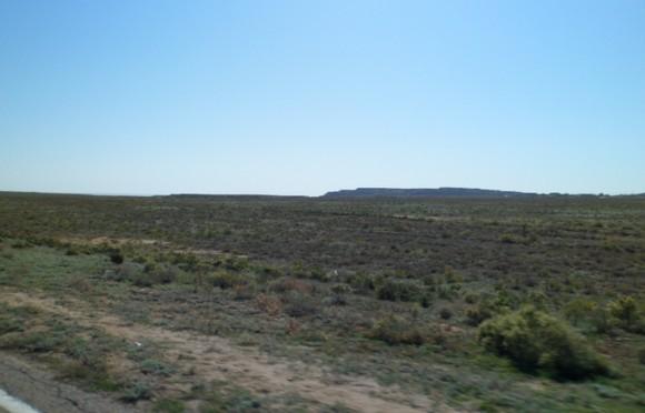 горы по дороге на соленое озеро баскунчак