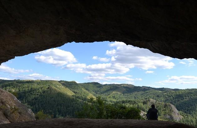 вид из пещеры голубиный грот