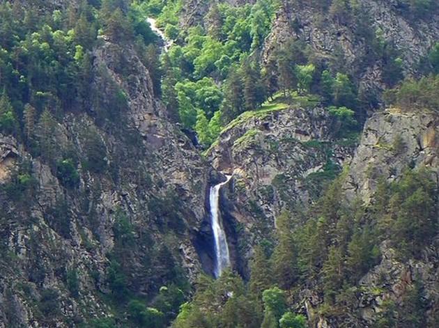 водопад на кавказе