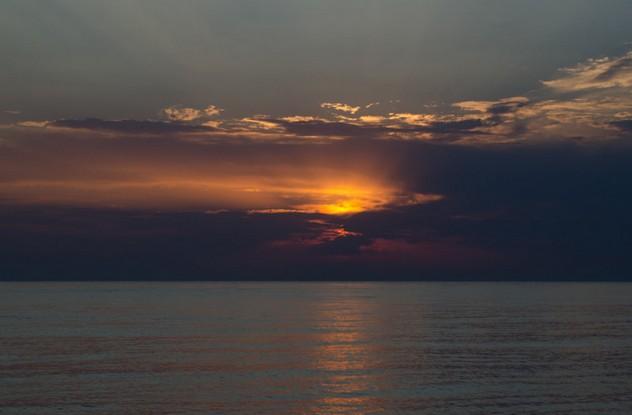 закат на море в абхазии