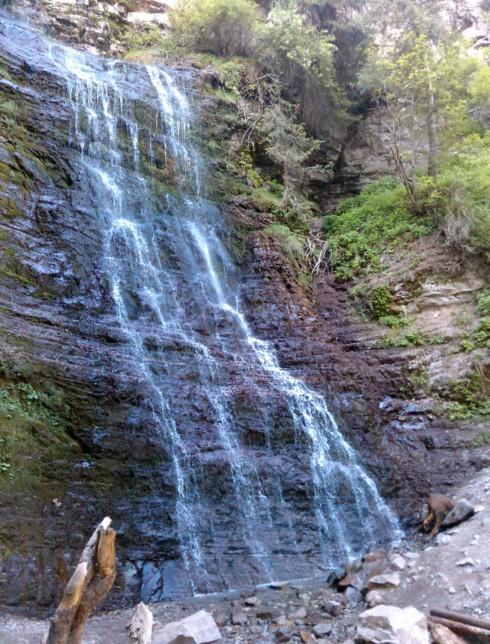 водопад в киргизии