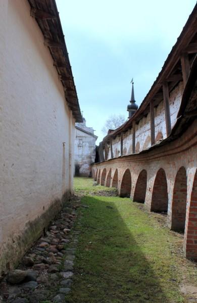 поездка на майские в кирилловский монастырь