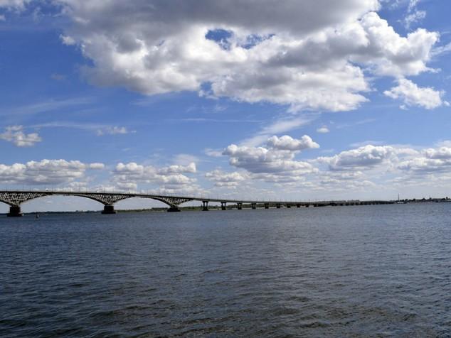 мост через волгу саратов