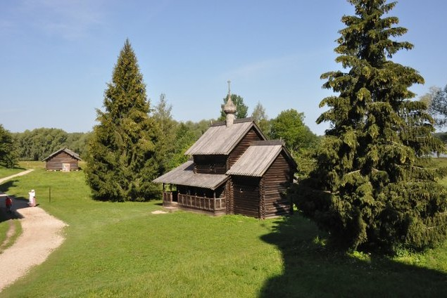 поездка на машине в  музей Витославлицы