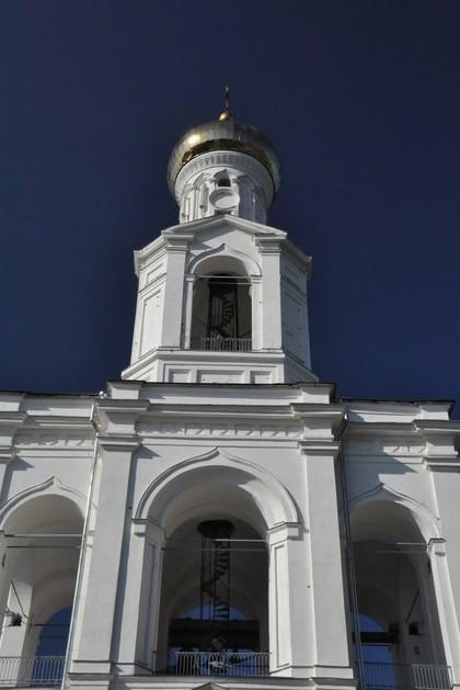 поездка на машине в Свято-Юрьев мужской монастырь