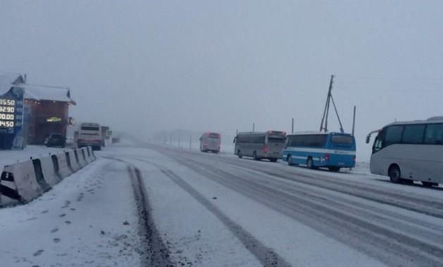 снег на дороге в красноярске