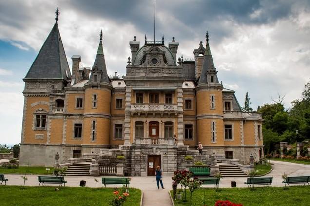 дворец в крыму