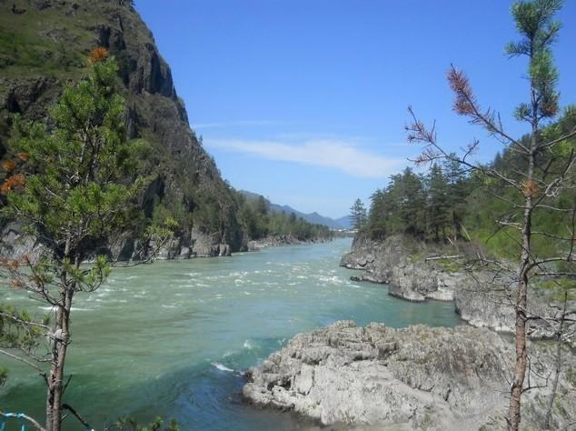 слияние рек Чемал и Катунь на алтае