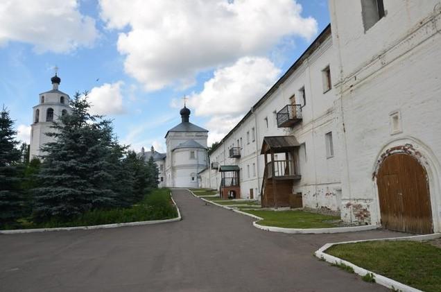трифоновский монастырь в кирове