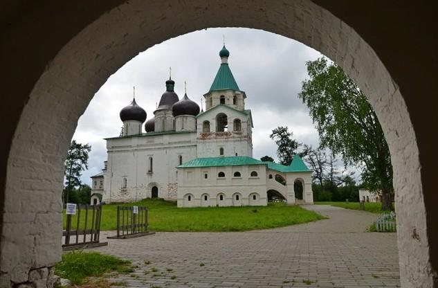 Троицкий собор, 1606 г.