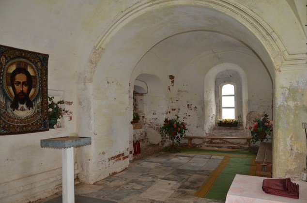 Троицкий собор внутри