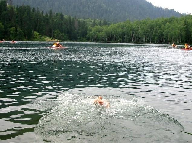 поездка на теплые озера изумрудное