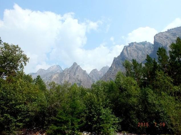 Горы в Аллинском ущелье