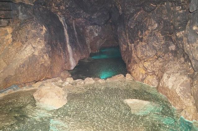 Красные карстовые пещеры Крым возле симферополя