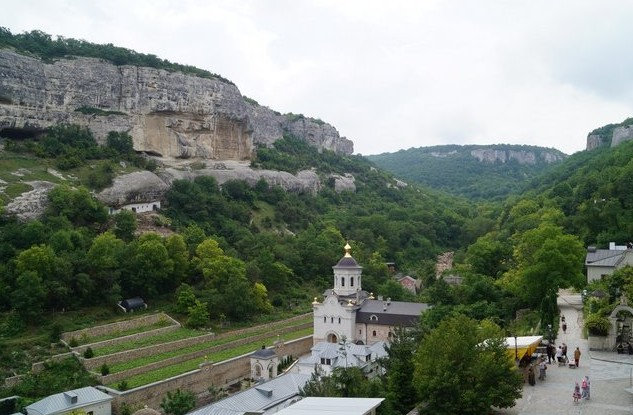 Свято-Успенский пещерный православный монастырь крым