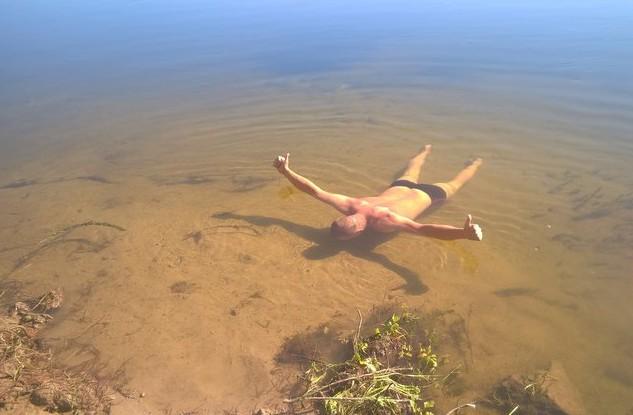 купание в речке ахтуба