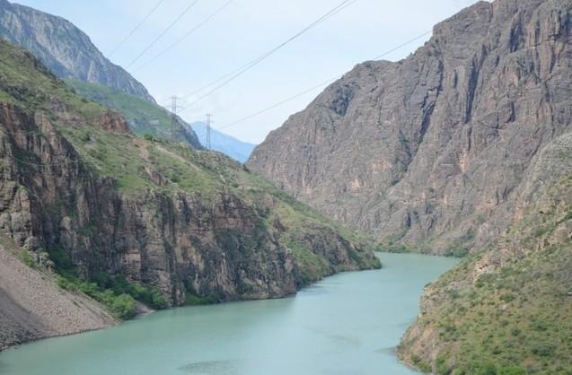 река Нарын на Алай
