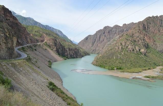киргизия река Нарын на Алай
