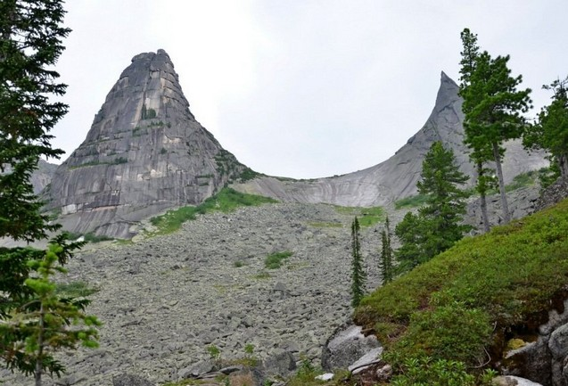 скала парабола в заповеднике ергаки