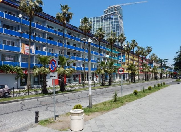 поездка в грузию здания в батуми