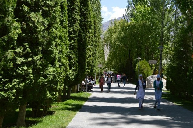 зеленые улицы хорог, памир