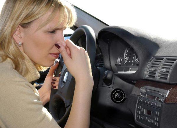 5 способов применения нашатыря в автомобиле