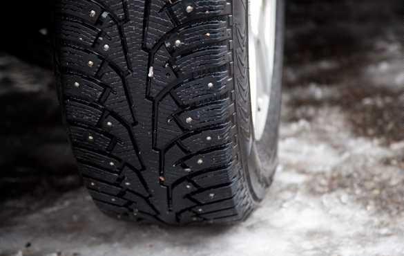 машина и зимние шины