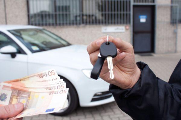 Что делать если купленный автомобиль под арестом{q}
