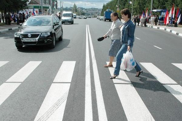 Наезд на пешехода на пешеходном переходе в 2019 году: штрафы и другое наказание