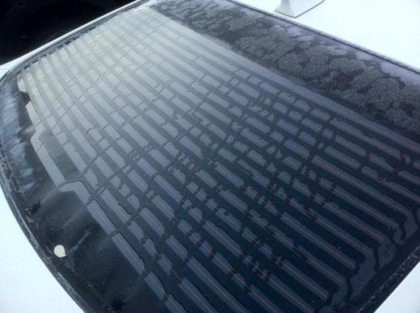 Обогрев лобового стекла автомобиля, стоит ли за него переплачивать, можно сделать своими руками