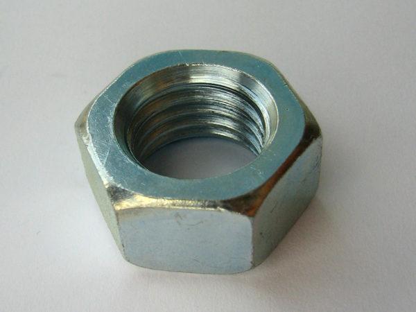 Как достать мелкие металлические детали, которые завалились в труднодоступные места в автомобиле