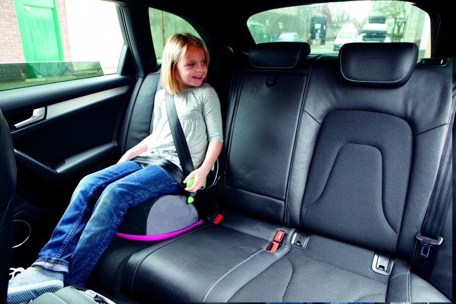 Бустер для детей в машину, с какого возраста по правилам 2019