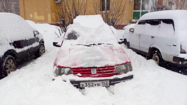 машина всю зиму на парковке