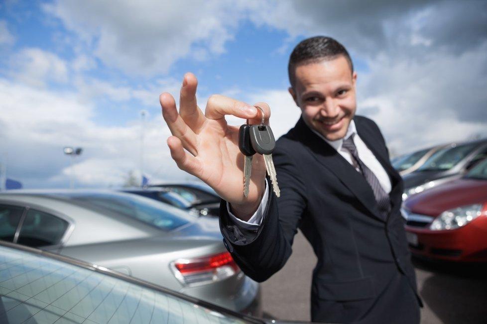 Особенности покупки и регистрации автомобиля на юридическое лицо