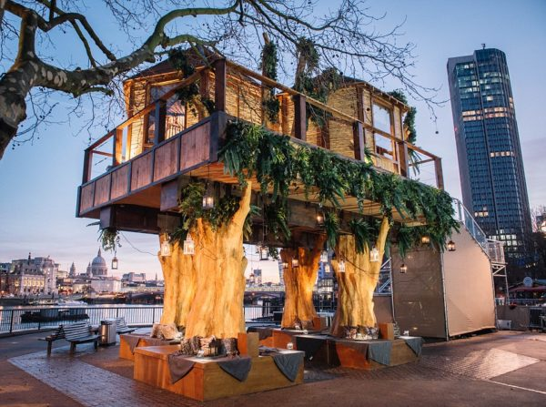 Ресторан на дереве в Англии
