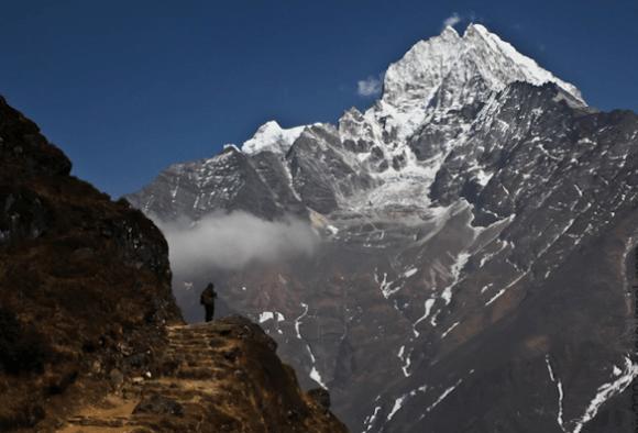 Почему самолетам запрещено летать над Гималаями?