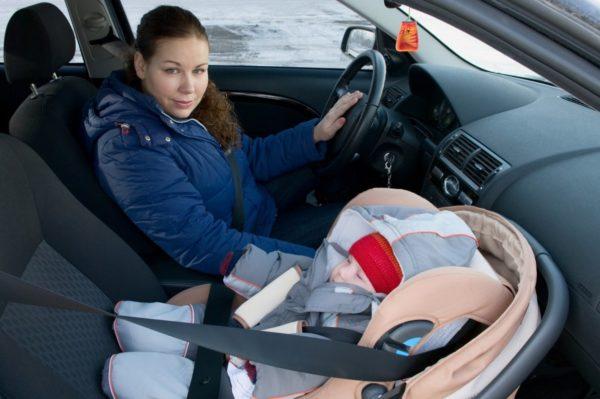 Дети с каких лет можно на переднем сидении автомобиля