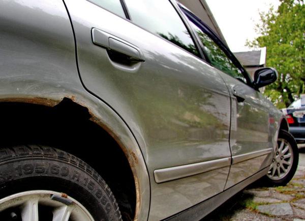Ржавчина на кузове автомобиля - как убрать самостоятельно?