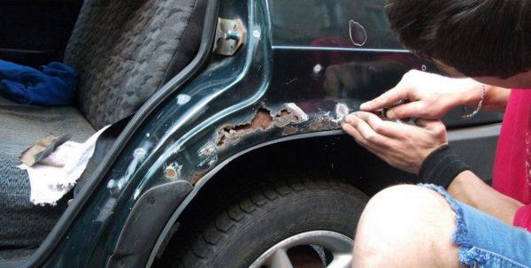 Ржавчина на кузове автомобиля: что делать, как убрать своими руками