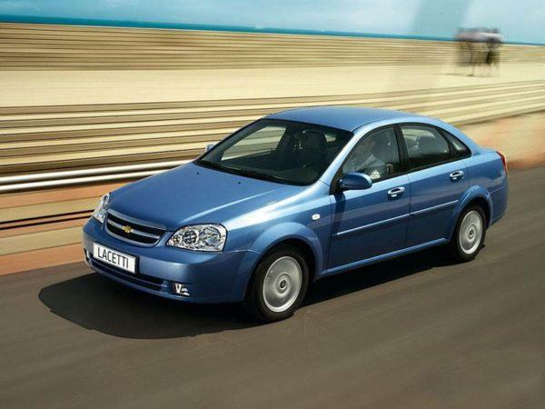 5  лучших автомобилей за 300 тысяч рублей